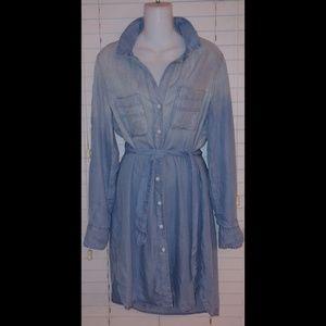 Cloth & stone chambray button Down shirt dress